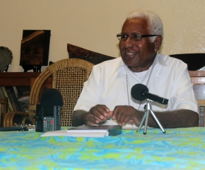 Archbishop of Melanesia, ++David talk to the media about the very low key visit of Archbishop Welby to ACOM